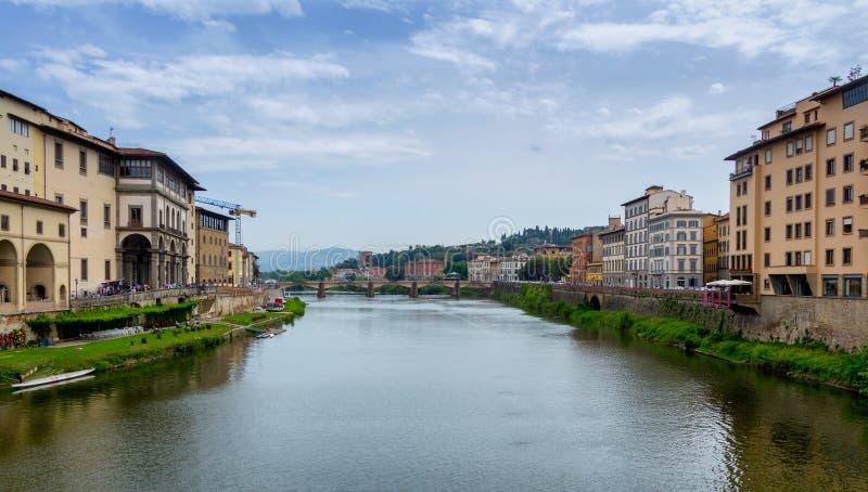 Ponte Vecchio, ponte velha famosa em Florença no rio de Arno, imagens de stock royalty free