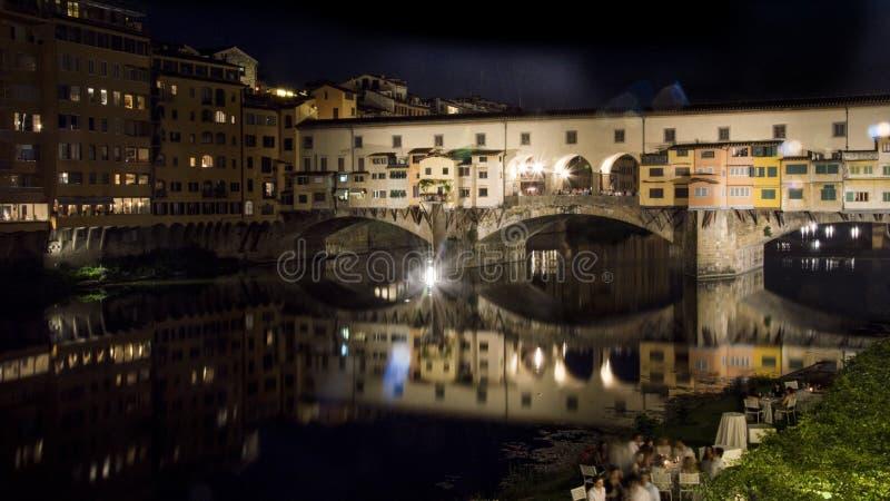 Ponte Vecchio, znany również jako Old Bridge, Florence, Włochy w nocy fotografia royalty free