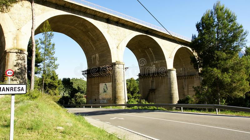 Ponte velha em Manresa fotos de stock royalty free