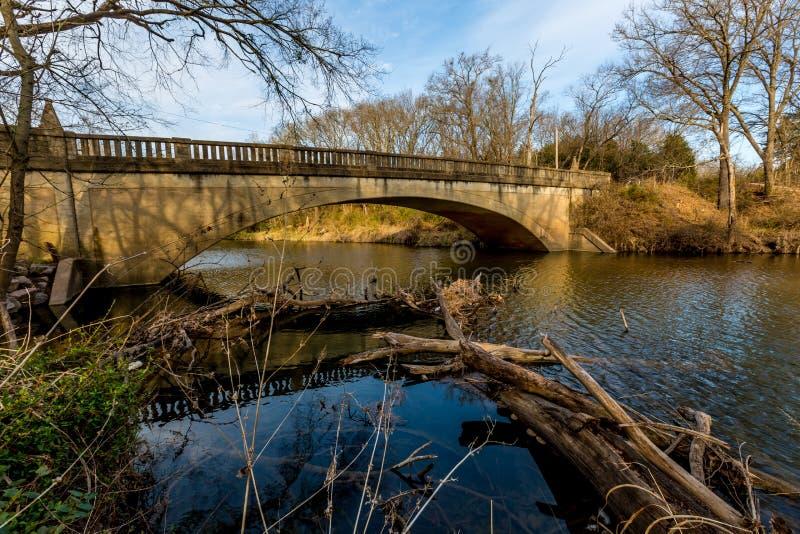 Ponte velha pitoresca da angra de Pennington em Oklahoma foto de stock
