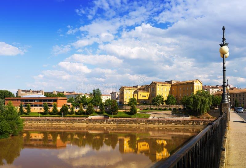 Ponte velha sobre Ebro Logrono fotos de stock royalty free
