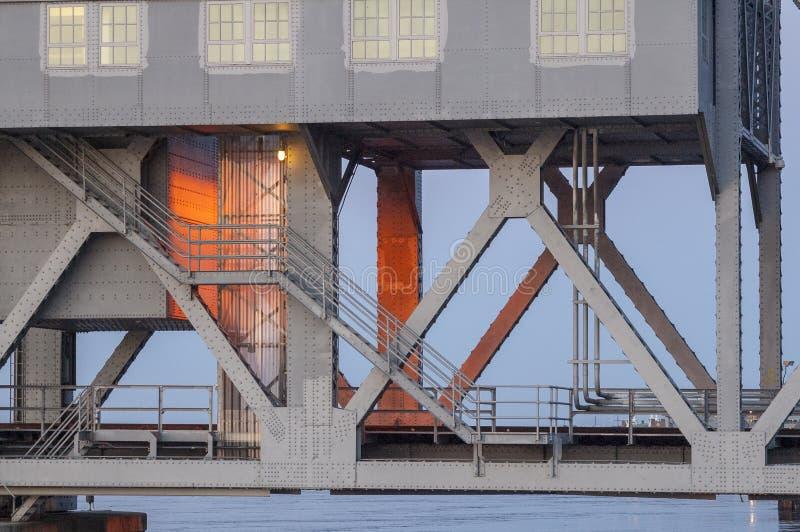 Ponte vertical da estrada de ferro do elevador no canal de Cape Cod fotos de stock royalty free