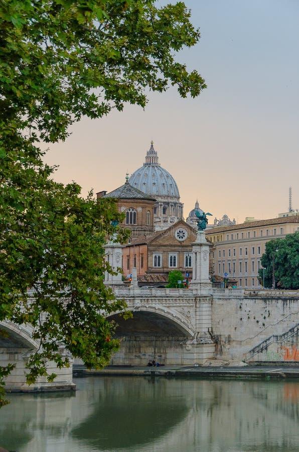 Ponte Vittorio Emanuele ΙΙ, στη Ρώμη Ιταλία, στη Ρώμη Ιταλία στοκ εικόνες με δικαίωμα ελεύθερης χρήσης