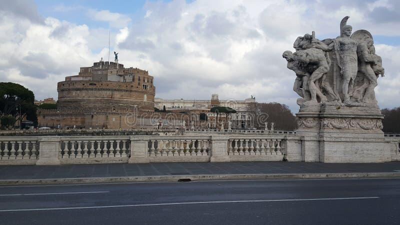 Ponte Vittorio Emanuele II met Castel Sant Angelo stock foto