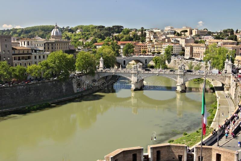 Ponte Vittorio Emanuele y el río de Tíber imágenes de archivo libres de regalías