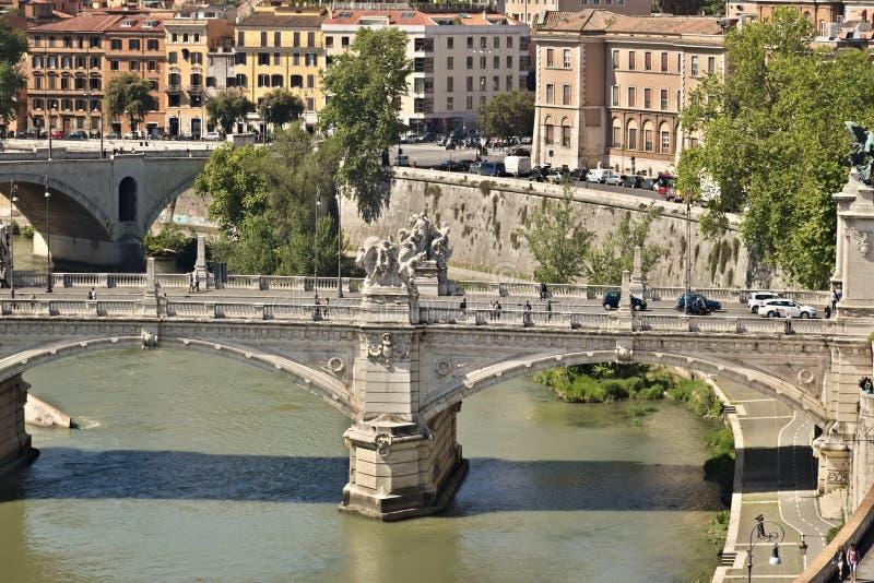 Ponte Vittorio Emanuele y el r?o de T?ber fotografía de archivo