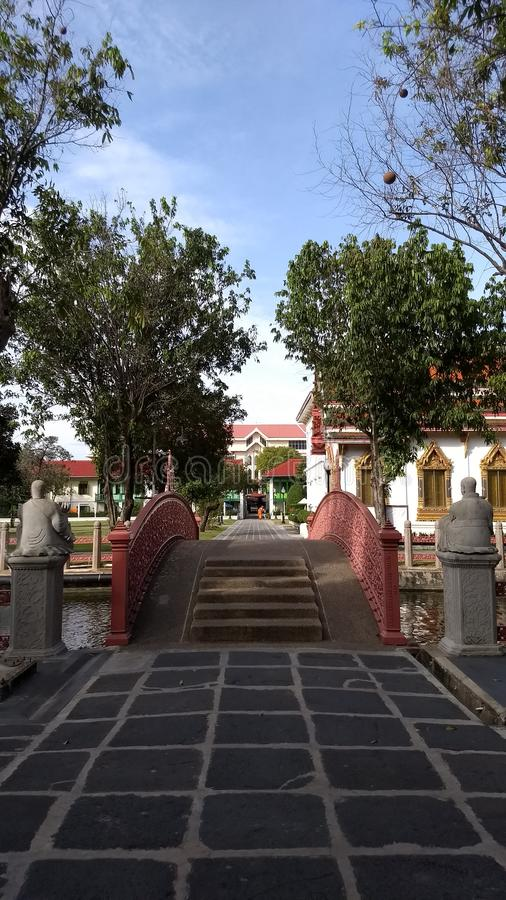 Ponte in Wat Benchamabophit immagini stock