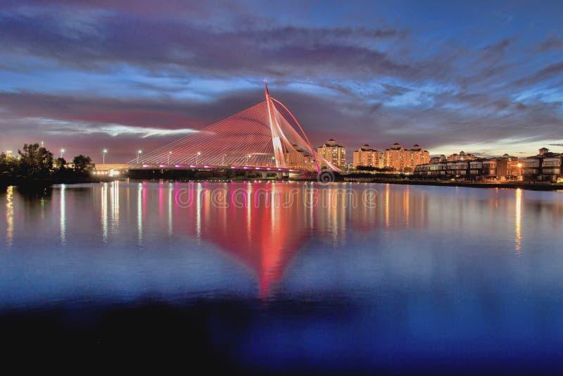 Ponte wawasan di Seri nell'ora blu fotografie stock libere da diritti