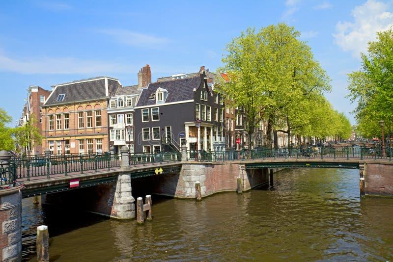 Pontes do anel do canal em Amsterdão fotografia de stock royalty free