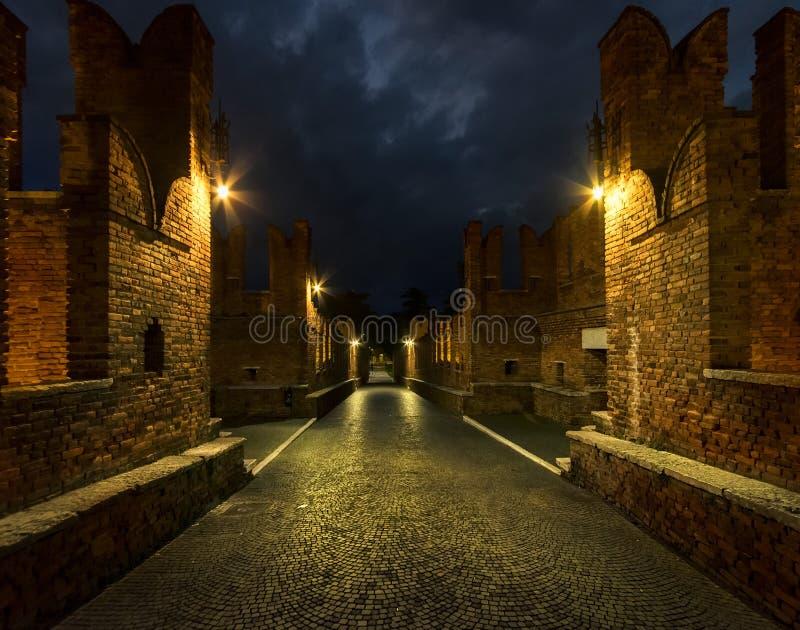 Pontes e paredes de Verona velho Italy imagem de stock