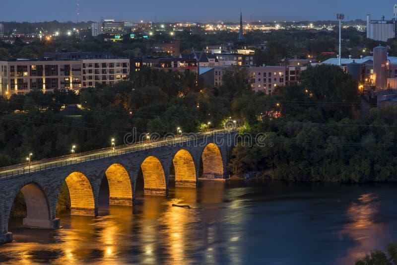 Pontes no rio Mississípi em Minneapolis do centro imagens de stock royalty free