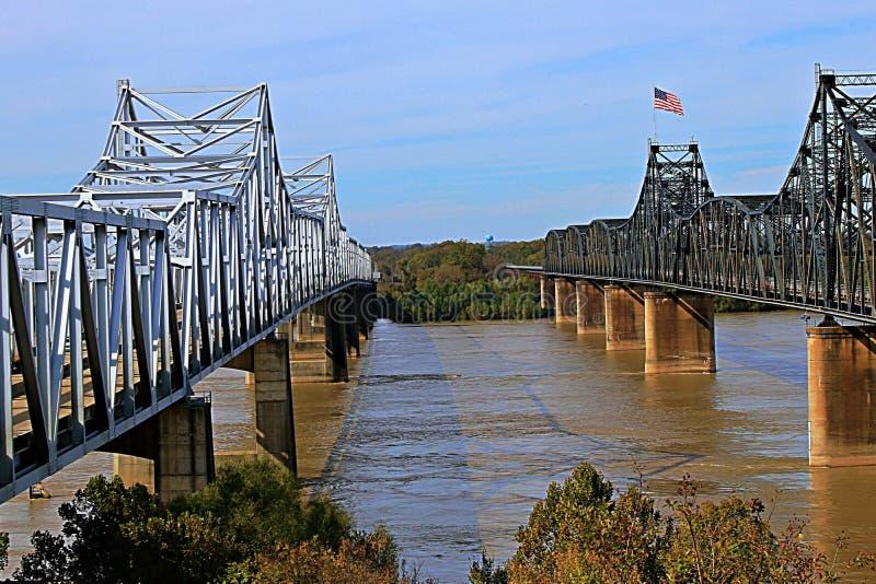 Pontes sobre o rio Mississípi em Vicksburg imagens de stock