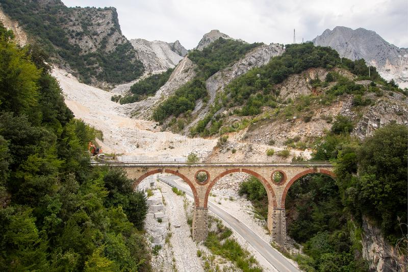 Ponti di Vara bridges in Carrara marble quarries, Tuscany, Italy. In the Apuan Alps. Quarrying marble stone is an. Important industry stock photo