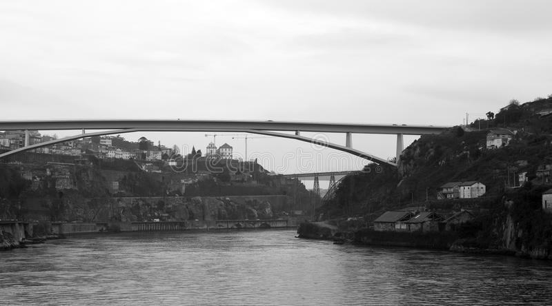 Ponti sopra il Duero, Oporto immagini stock libere da diritti