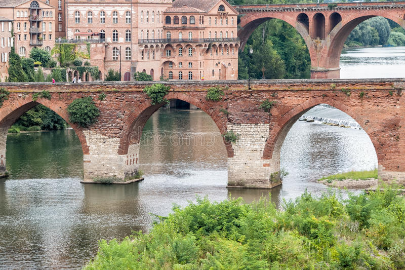 Ponti sopra il fiume il Tarn a Albi, Francia immagine stock libera da diritti