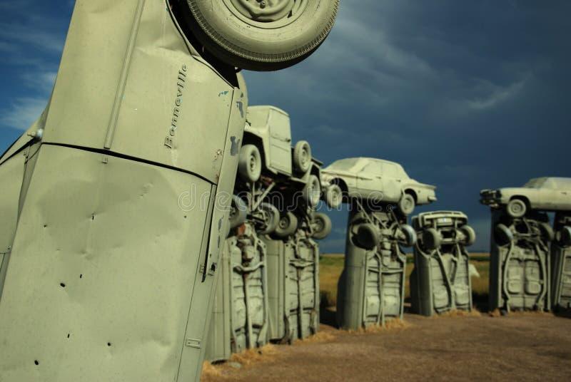 Pontiac Bonneville на Carhenge, союзничестве, NE стоковое изображение rf