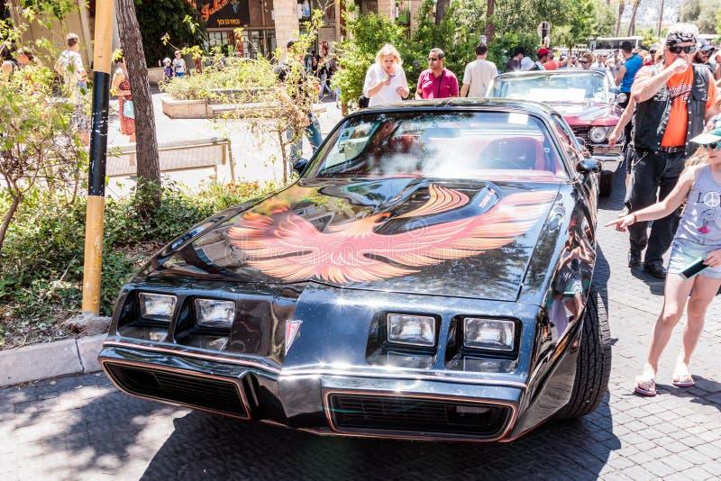 Pontiac Firebird velho em uma exposição de carros velhos na cidade de Karmiel fotografia de stock