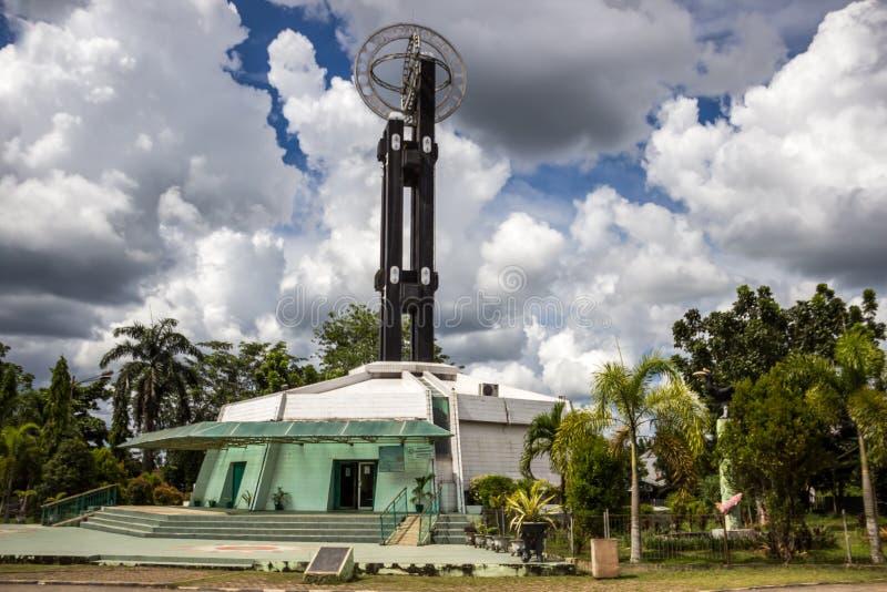 Pontianak, Ινδονησία Το μνημείο ισημερινών βρίσκεται στον ισημερινό στοκ φωτογραφία με δικαίωμα ελεύθερης χρήσης