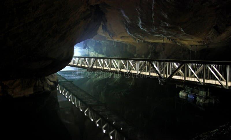 Ponticello in caverna fotografia stock