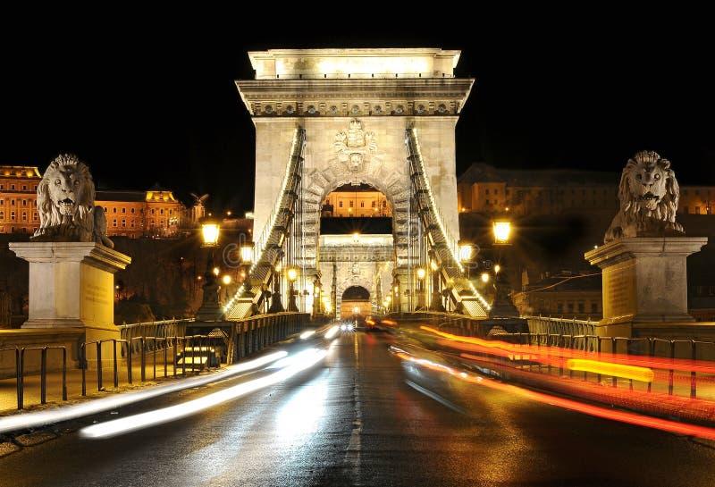 Ponticello Chain alla notte, Budapest fotografie stock