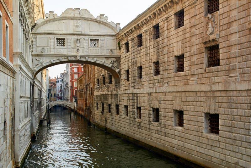 Ponticello dei sospiri a Venezia, Italia fotografia stock