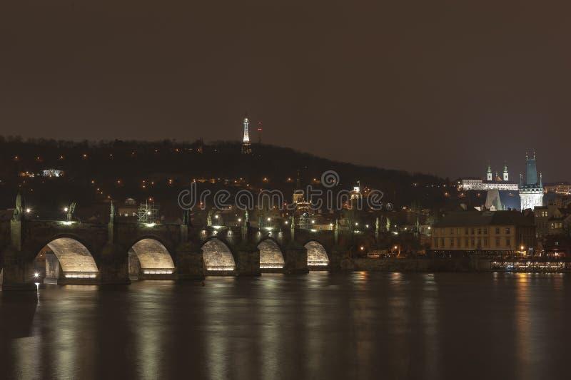 Ponticello del Charles e castello di Praga fotografia stock libera da diritti