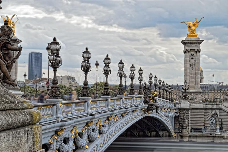 Ponticello dell'Alexandre III a Parigi fotografia stock