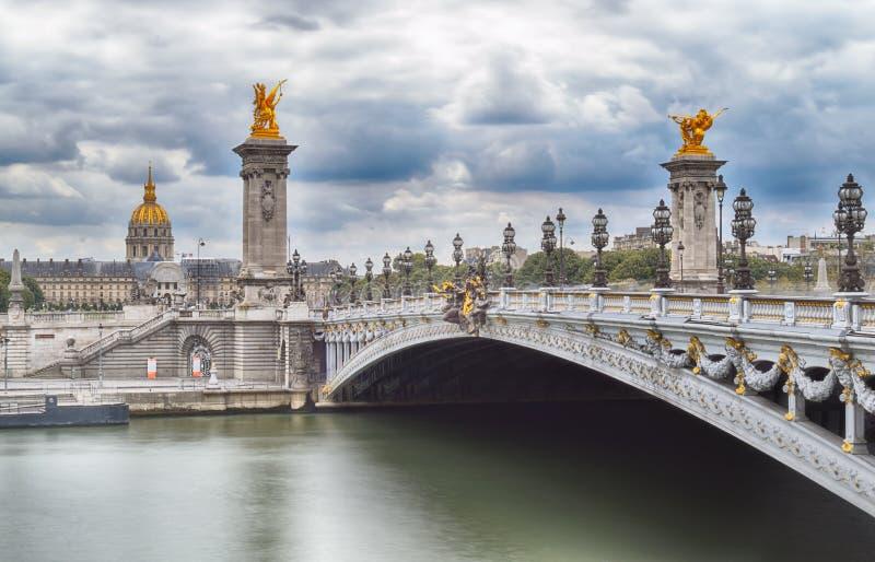 Ponticello dell'Alexandre III a Parigi immagine stock