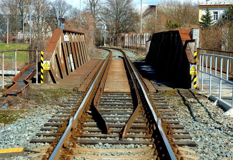 Download Ponticello della ferrovia immagine stock. Immagine di vecchio - 56879675