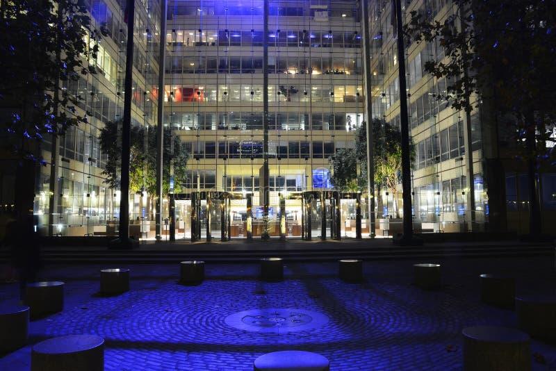 Ponticello della torretta di Londra alla notte fotografia stock