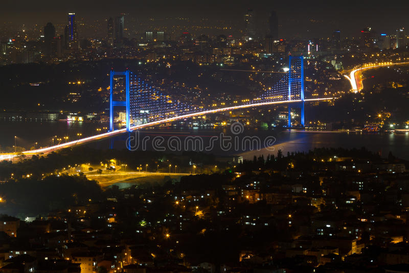 Ponticello di Costantinopoli Bosphorus dalla collina di Camlica immagini stock