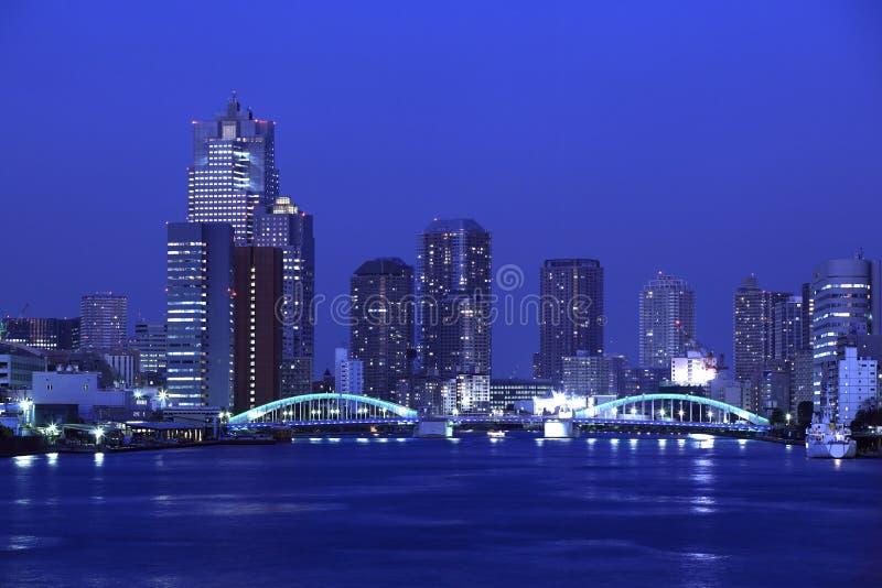 Ponticello di Kachidoki e fiume di Sumida a Tokyo, Giappone immagine stock libera da diritti