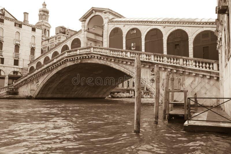 Download Ponticello Di Rialto, Venezia Fotografia Stock - Immagine di waterway, corsa: 7300396
