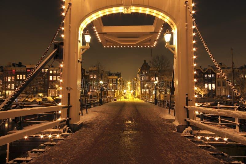Ponticello di Thiny entro la notte nei Paesi Bassi di Amsterdam fotografie stock libere da diritti