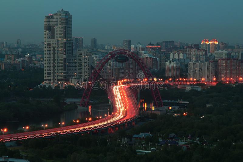 Ponticello di Zhivopisny a Mosca Vista dal tetto immagine stock