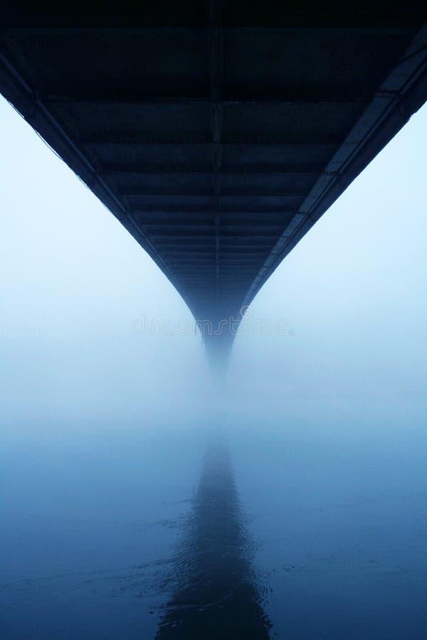 Ponticello nebbioso fotografie stock