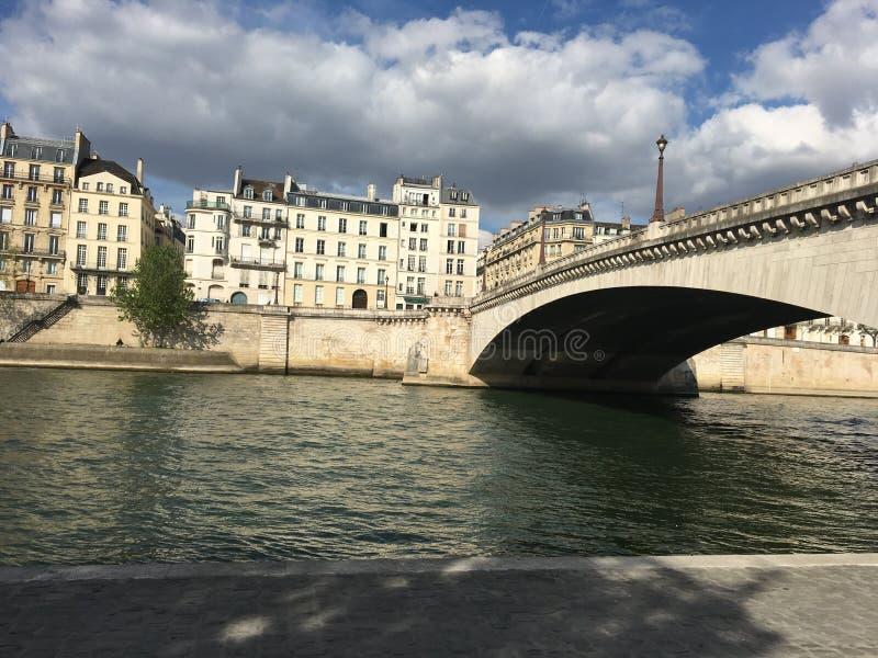 Ponticello a Parigi fotografia stock libera da diritti