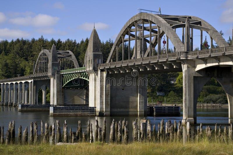 Ponticello storico sopra il fiume Firenze Oregon di Siuslaw fotografie stock libere da diritti