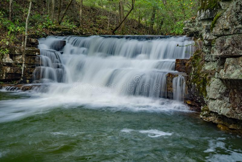 Ponto alto na cachoeira das minas de Fenwick - 2 imagens de stock