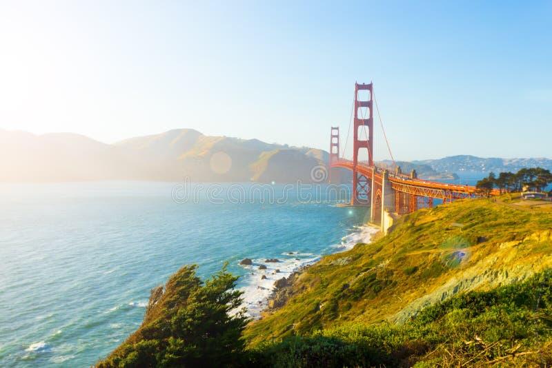 Ponto chave alto do forte da luz solar de golden gate bridge fotografia de stock