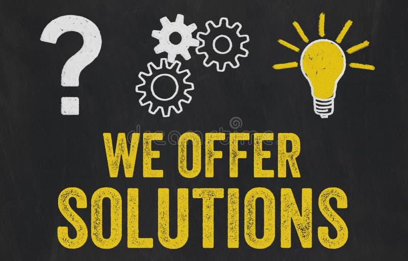 Ponto de interrogação, engrenagens, conceito da ampola - nós oferecemos soluções ilustração stock