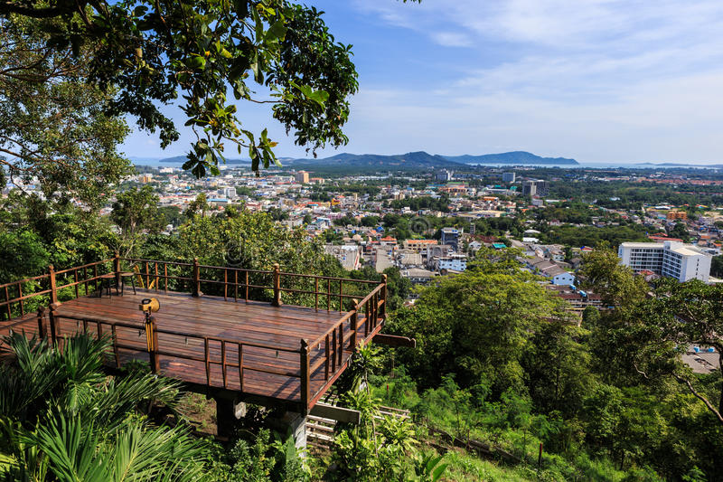 Ponto de opinião da cidade de Phuket no monte Rang, Tailândia imagem de stock