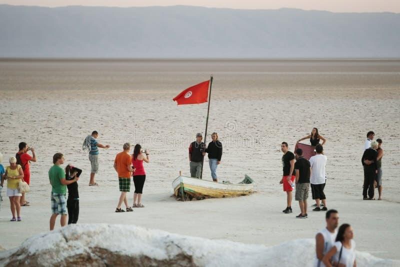 Ponto de turista no lago de sal imagens de stock