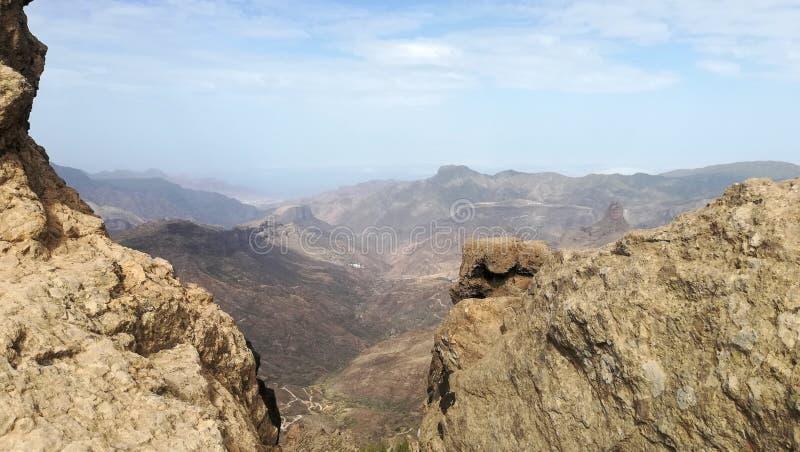 Ponto de vista nas montanhas das rochas imagens de stock royalty free
