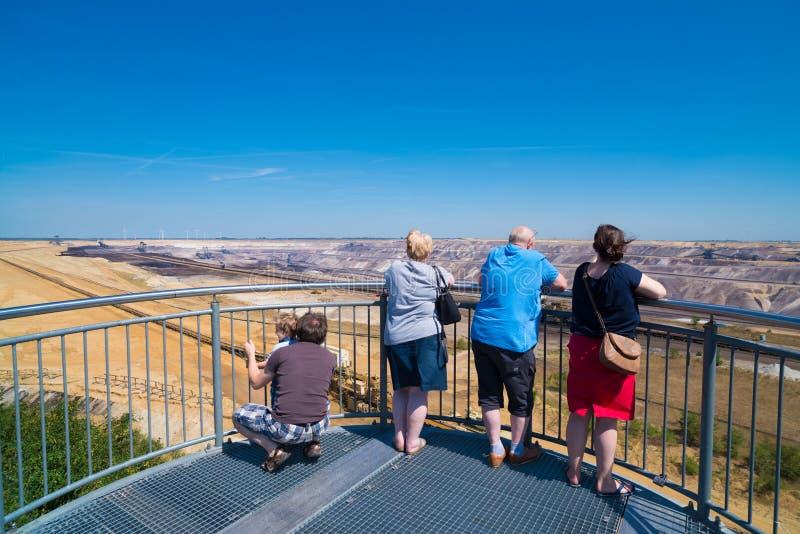 Ponto de vista turístico em uma mina opencast em Alemanha fotos de stock