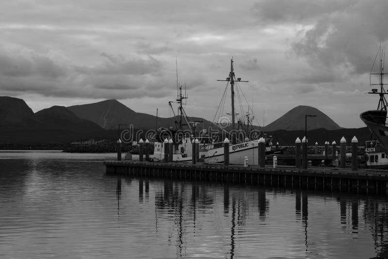 Ponto histórico Alaska da areia do barco de pesca imagem de stock royalty free