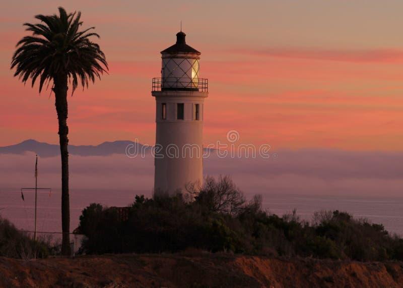 Ponto Vicente Lighthouse no crepúsculo, Palos Verdes Peninsula, Los Angeles County, Califórnia imagem de stock