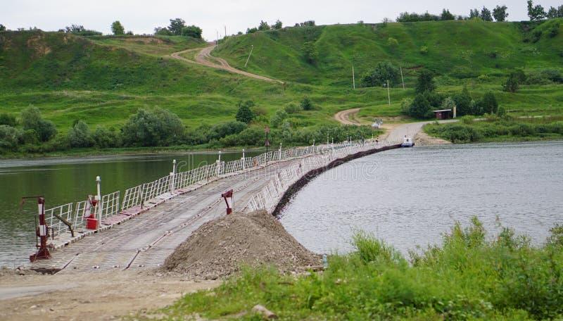 Pontonowy most obrazy stock