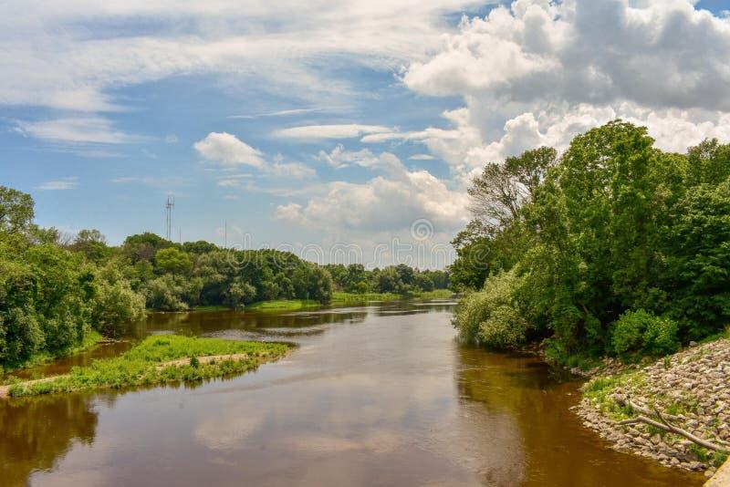 Pontos altos no rio de Milwaukee imagem de stock