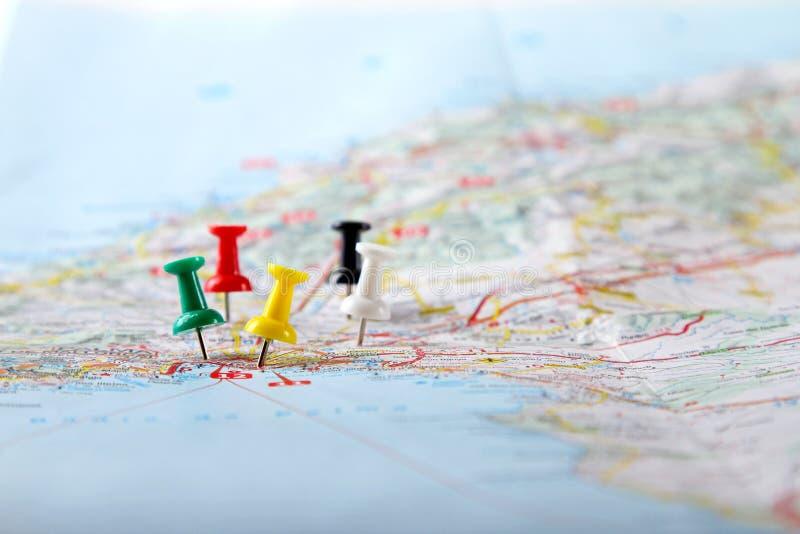 Pontos de destino do curso em um mapa imagens de stock royalty free